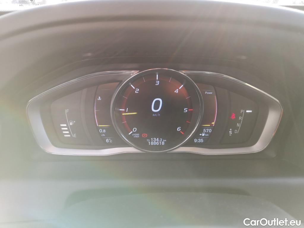 Volvo  XC60  #9