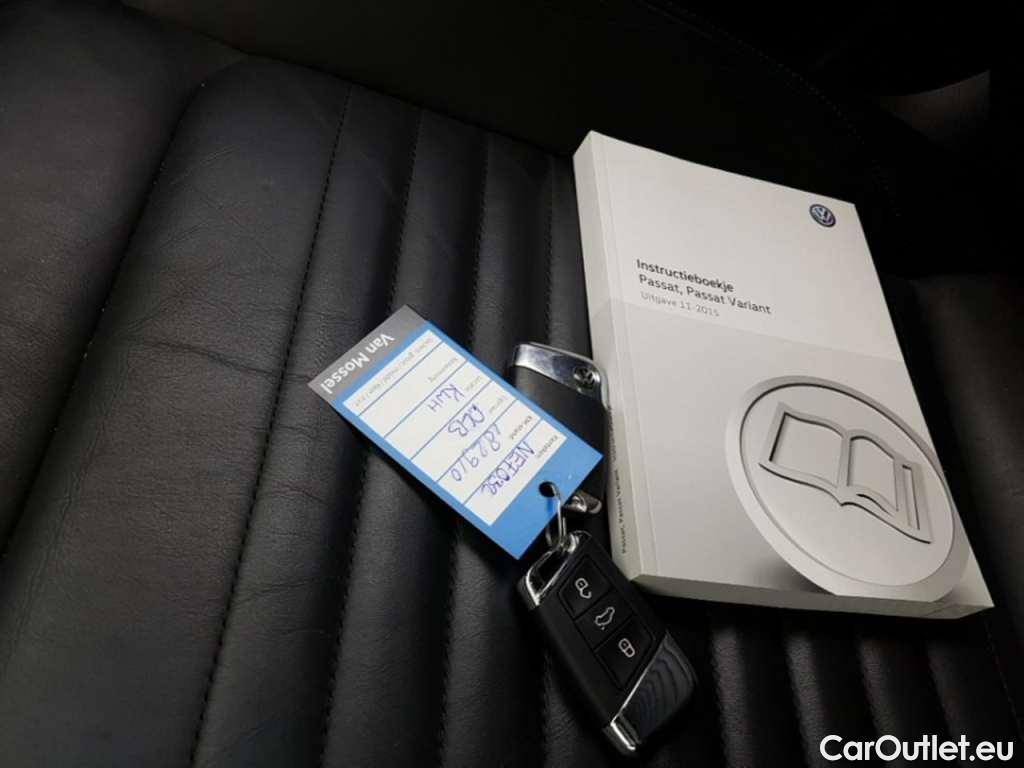 Volkswagen  Passat 1.6 TDI HIGHLINE #9