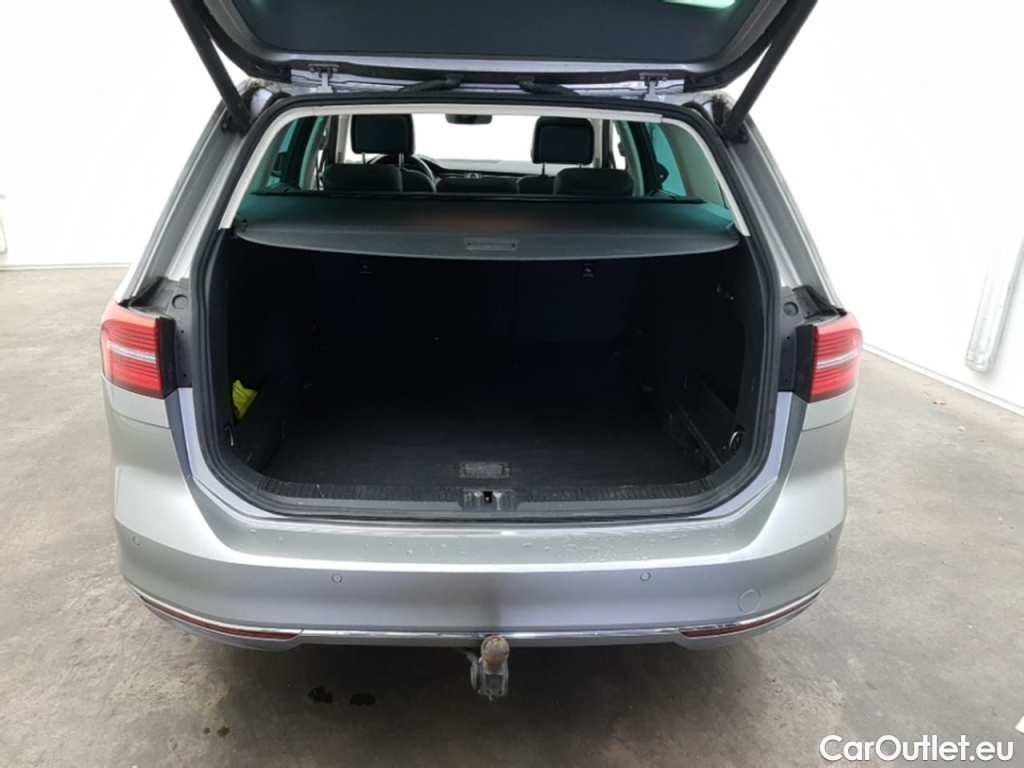 Volkswagen  Passat 1.6 TDI HIGHLINE #21