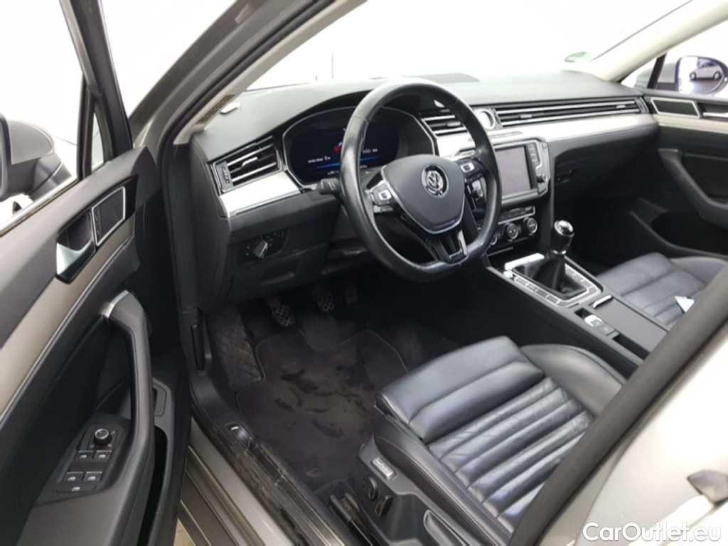 Volkswagen  Passat 1.6 TDI HIGHLINE #15