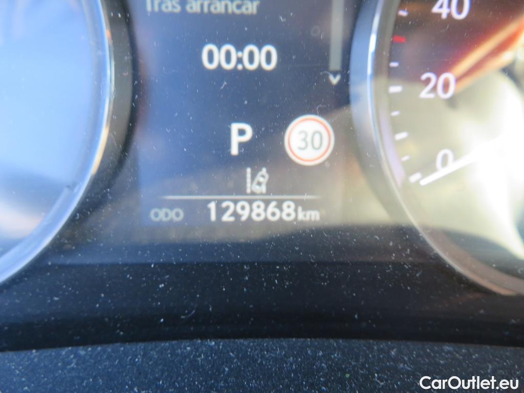 Lexus  IS 2.5 300h Executive #4