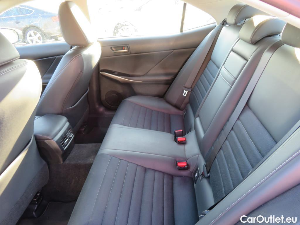 Lexus  IS 2.5 300h Executive #12