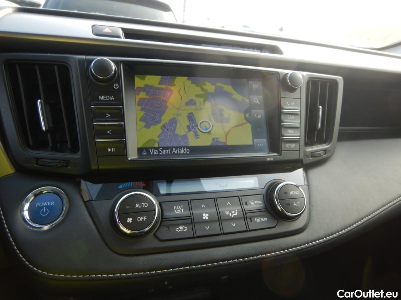 Toyota  RAV4 2.5 Hv 197cv Cvt Lounge 2wd #14