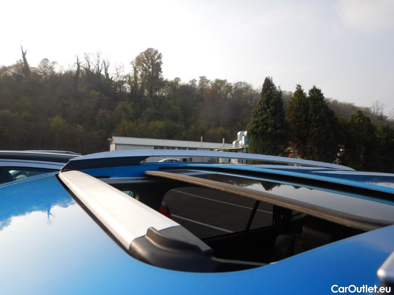 Toyota  RAV4 2.5 Hv 197cv Cvt Lounge 2wd #17