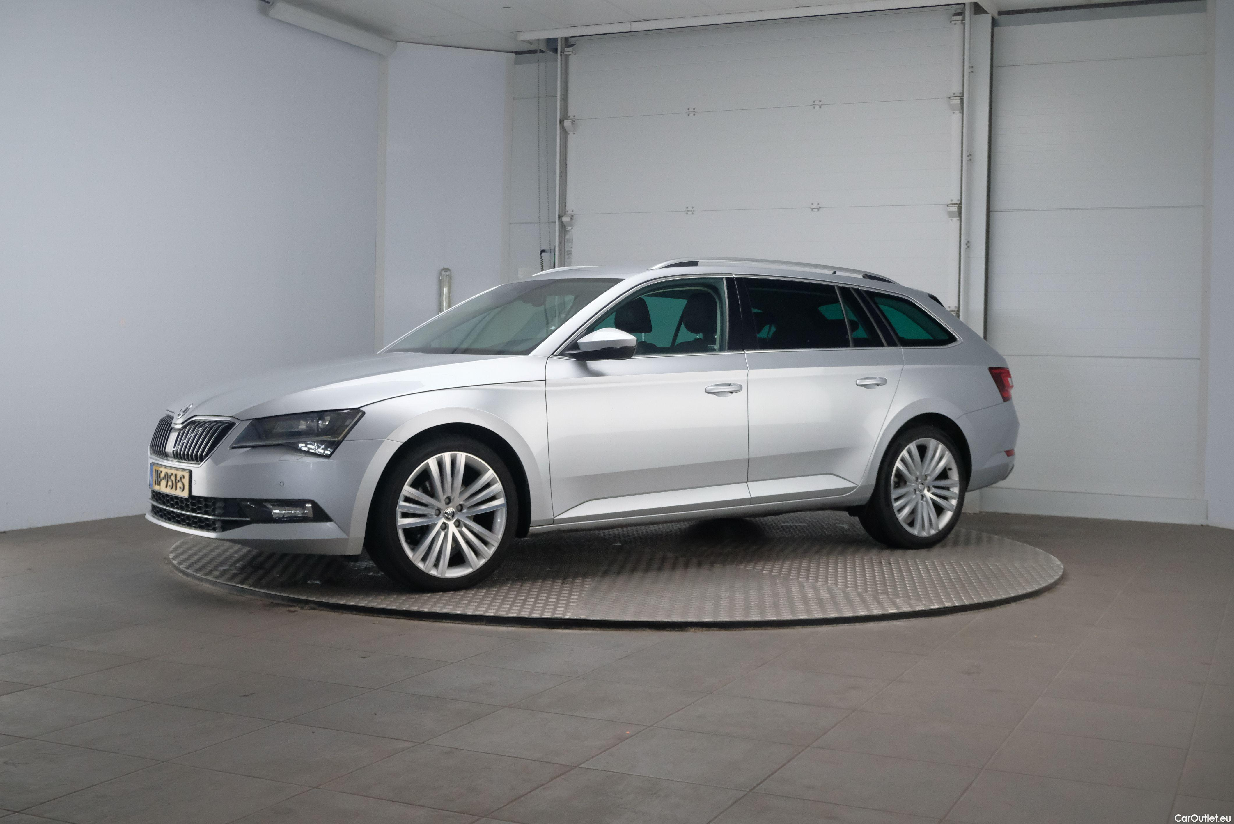 Skoda  Superb 1.6 TDI Ambition Business 5d #1