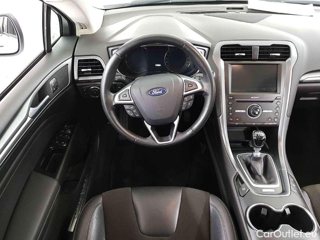 Ford Mondeo 2017 - фото 7